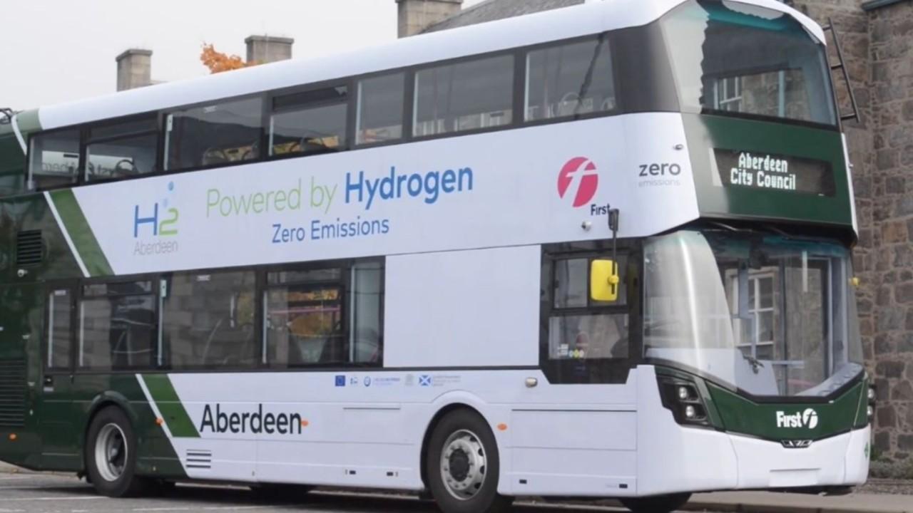 hidrojen yakıtlı iki katlı otobüs