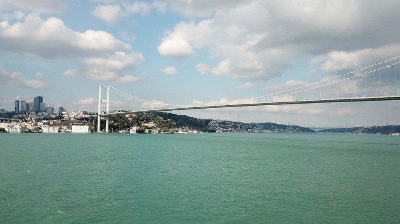 İstanbul Boğazı, Kış Ayında İlk Kez Turkuaz Rengine Büründü