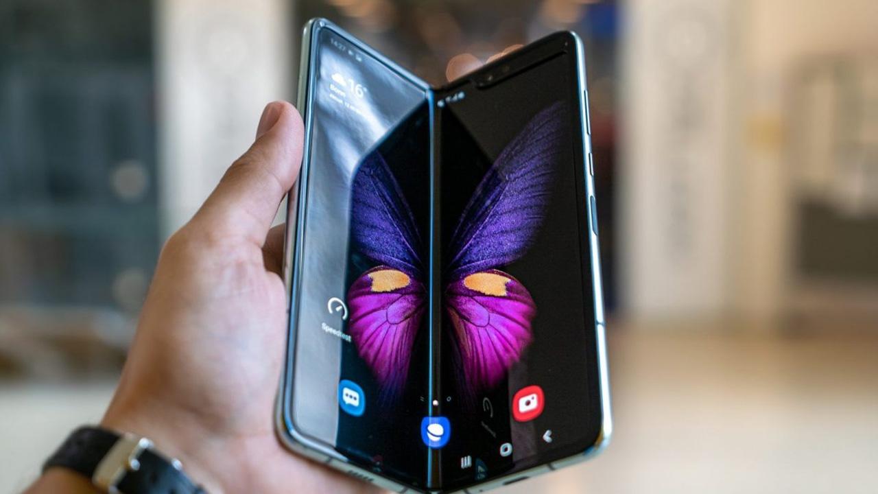 samsung galaxy fold, samsung katlanabilir telefon