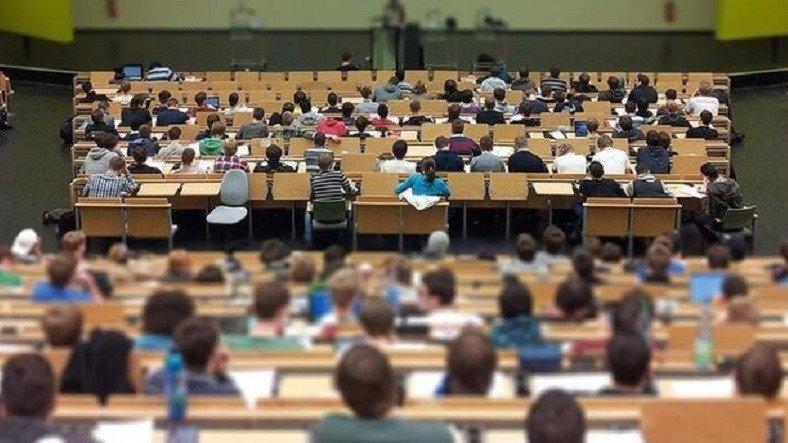2021 Bahar Yarıyılında Hibrit Eğitime Geçme Kararı Alan Üniversiteler