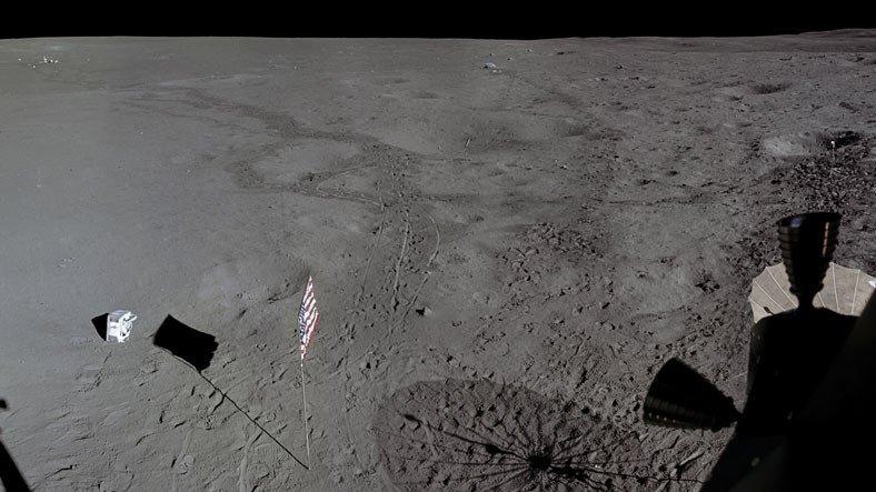 50 Yıl Önce Ay Yüzeyinde Atılan Golf Topları, Yenilenen Görüntülerle Tekrar Gözüktü