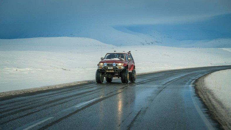 Bir Şirket, Yollardaki Buzlanma İçin Tuza Alternatif Bir Çözüm Geliştirdi