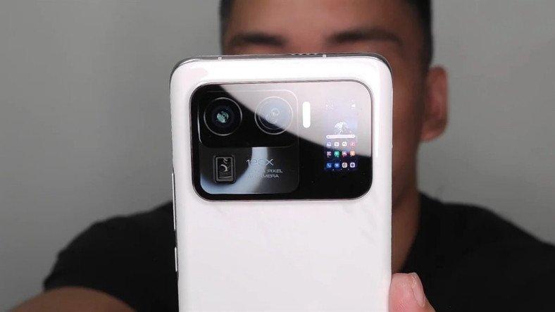 """Bütün Sırrı Bozdun Ya: Bir YouTuber """"Yanlışlıkla"""" Xiaomi Mi 11 Ultra'nın Videosunu Paylaştı"""
