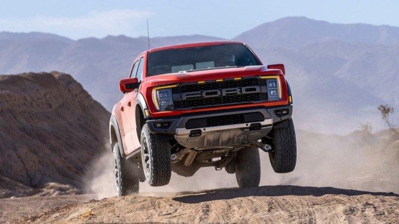 Ford, Raptor Serisi İçin Elektrikli Varyant Hazırlamadığını Açıkladı