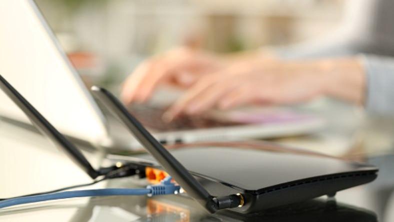 İnternet Aboneliğini İptal Ettiren Kullanıcının Cayma Bedelinin İadesine Karar Verildi
