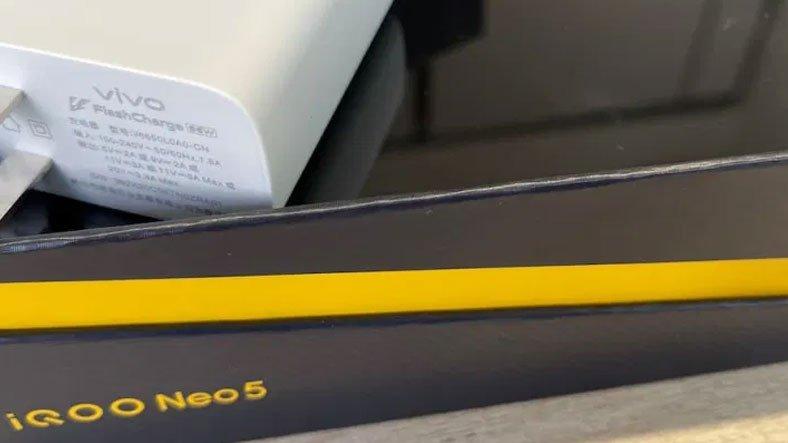 iQOO Neo5'in 66 W Hızlı Şarj Desteğiyle Geleceğini 'Kanıtlayan' Bir Görsel Paylaşıldı