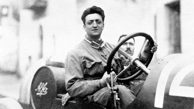 Kırmızıya Yeni Bir Anlam Katan Otomobil Efsanesi Enzo Ferrari'nin İlham Veren Hikayesi