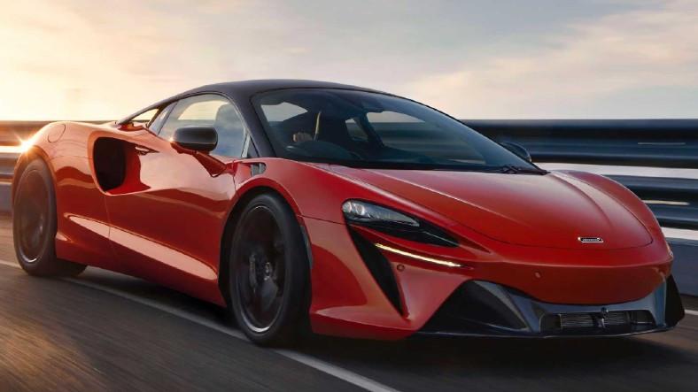 McLaren, 671 Beygirlik Yeni Hibrit Spor Otomobili Artura'yı Tanıttı