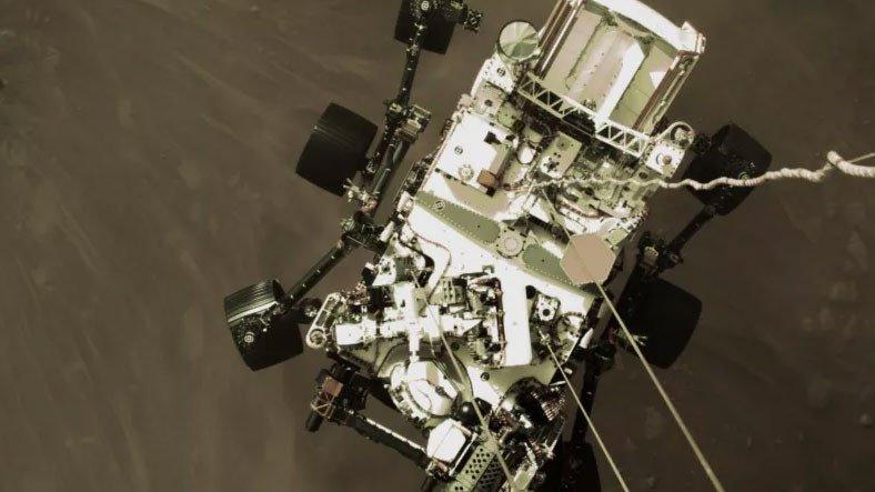 NASA'nın Perseverance Uzay Aracı, Mars Görüntülerini Nasıl Çekti ve Dünya'ya Gönderdi?