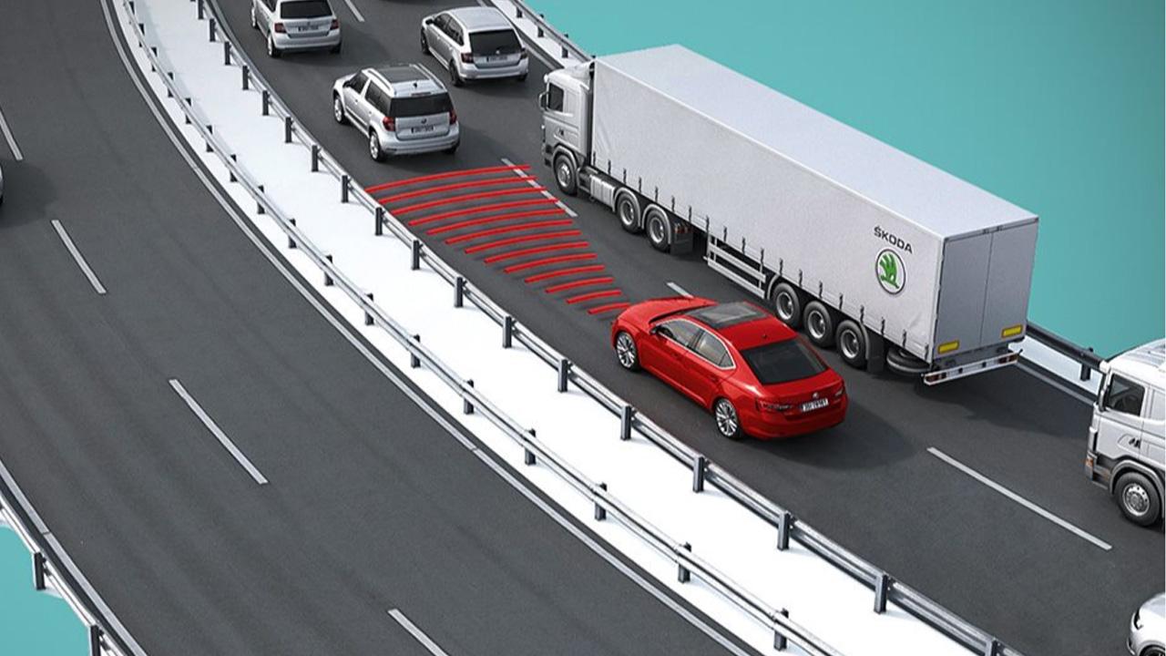 skoda superb trafik sıkışıklığı asistanı: