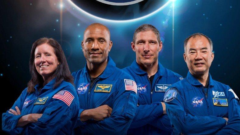 SpaceX ve NASA'nın Ekibi Crew-1, Uzayda En Uzun Kalma Rekoru Kırdı