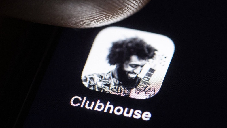Tartışmalı Sosyal Ağ Uygulaması Clubhouse'da İlk Kez Bir Açık Artırma Gerçekleştirildi