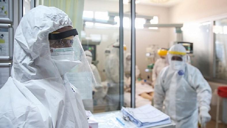 Türkiye'de Son 24 Saatte Koronavirüs Sebebiyle Hayatını Kaybedenlerin Sayısı Açıklandı