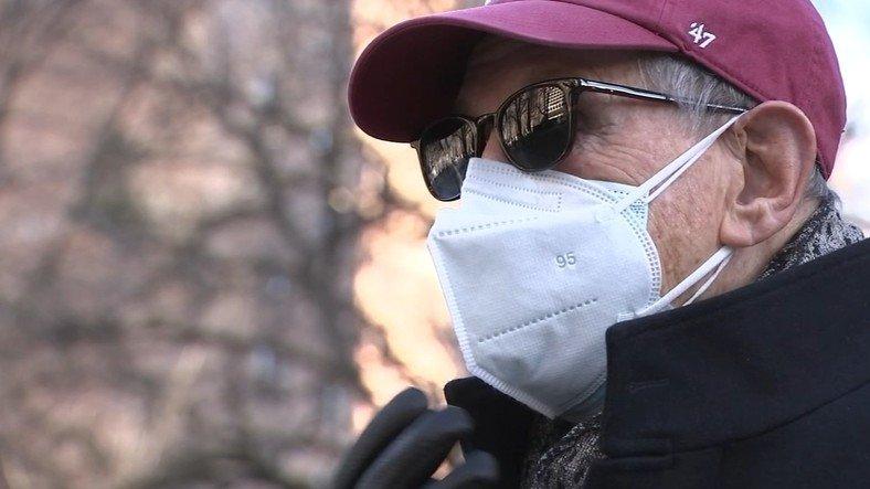 TÜSAD'dan Önemli Açıklama: Kapalı Alanlarda Maskeyi Asla Çıkarmamak Gerekiyor