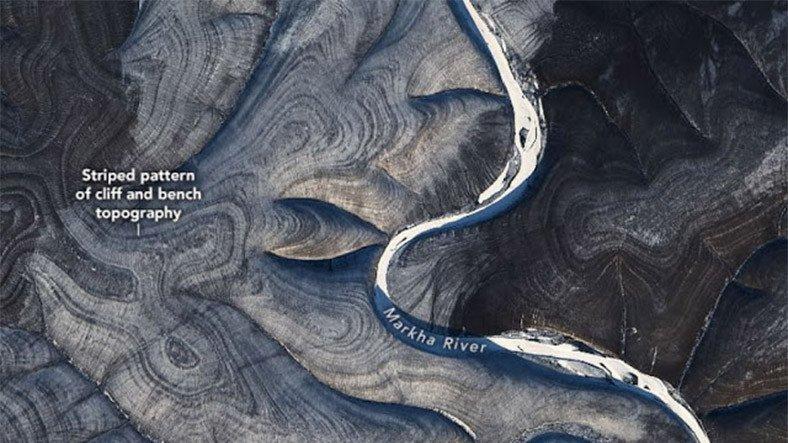 Uydu Görüntülerinde Rusya Üzerinde Gizemli Çizgiler Görüldü