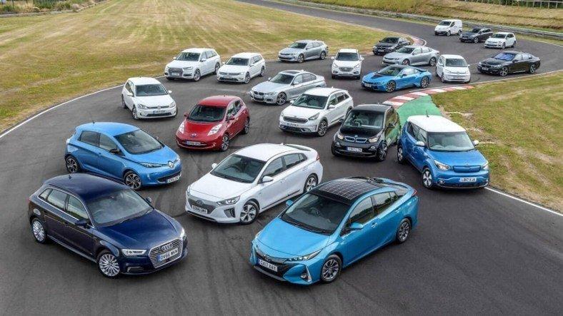 Uzmanlar, Dolar Kurundaki Düşüşün Otomobil Fiyatlarına Neden Yansımadığını Açıkladı
