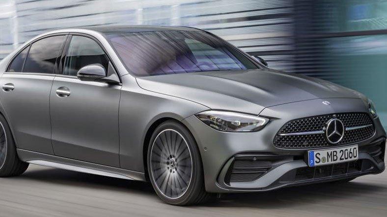 Yeni Nesil Mercedes-Benz AMG C63'ün 550 Beygirlik Motorla Geleceği İddia Edildi
