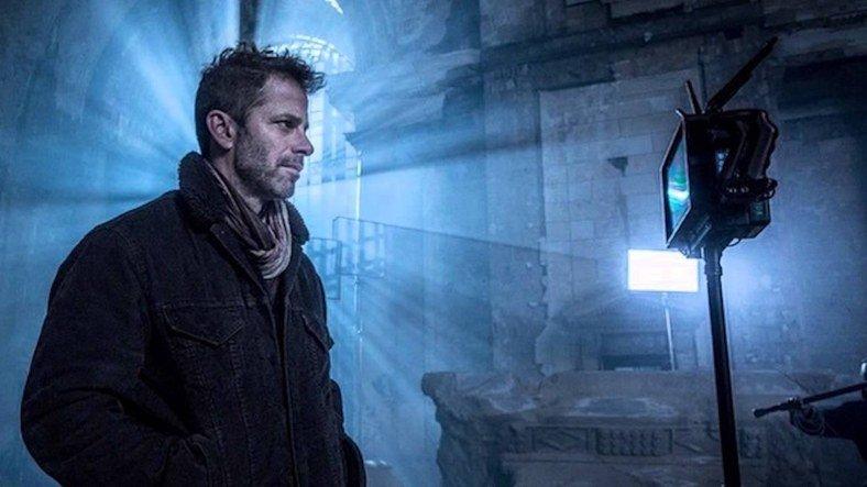 """Zack Snyder, """"Aslına Sadık"""" Bir Kral Arthur Filmi Çekmek İstiyor"""