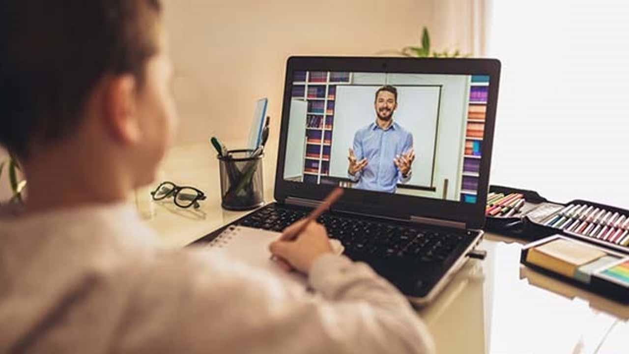 Çevrimiçi öğretmenlik