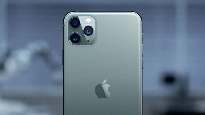 6 Ay Önce Göle Düşen Bir iPhone, Aylar Sonra Çalışır Halde Bulundu [Video]