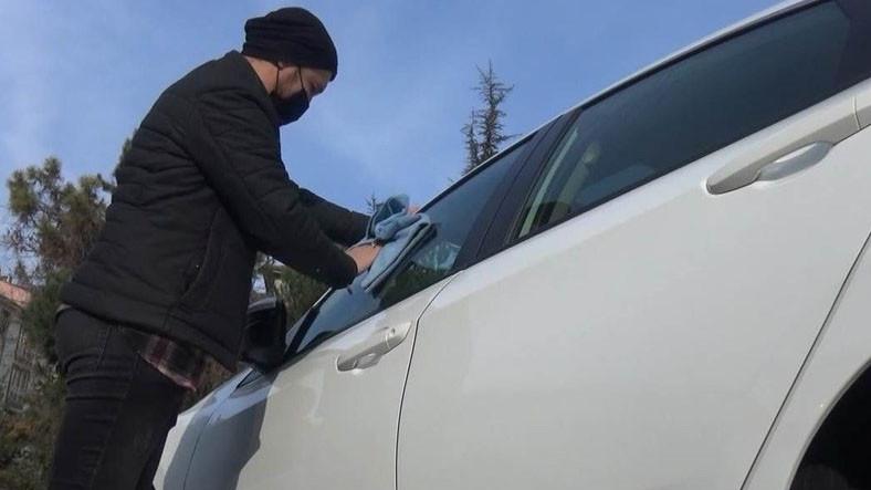 Antalya'da Bir Adam, Otomobilini 'Çamaşır Suyu' ile Yıkadıktan Sonra Fenalaşarak Hayatını Kaybetti