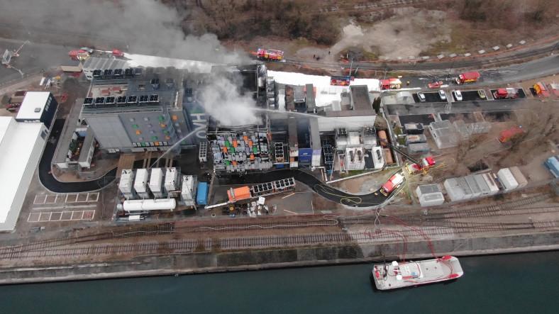 Avrupa'nın En Büyük Veri Merkezi Tesisinde Yangın Çıktı: 30 Bin Sunucu Harap Oldu