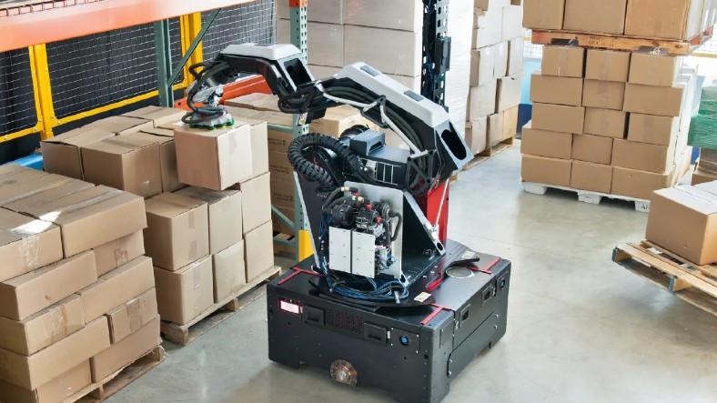 Boston Dynamics, Koli Taşıma İşini Tertemiz Yapan Yeni Robotu Stretch'i Tanıttı