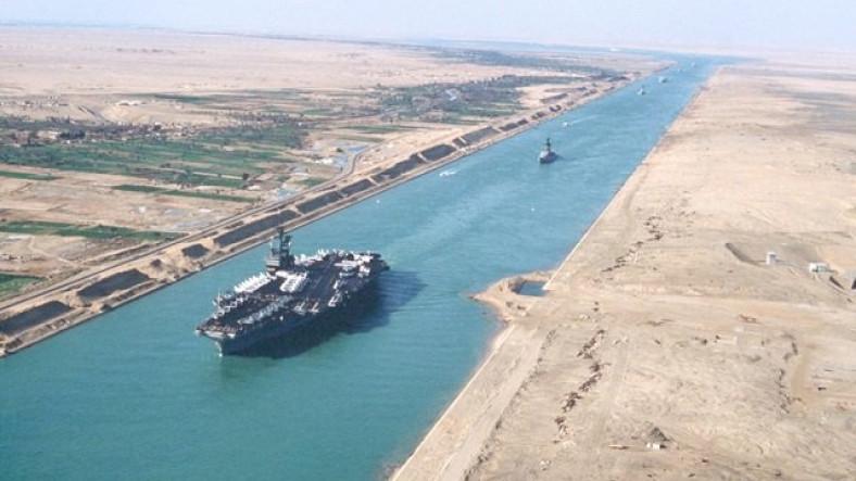 Bu İlk Krizi Değil: Süveyş Kanalı'nın Osmanlı İmparatorluğu'na da Dayanan Kaotik Tarihi