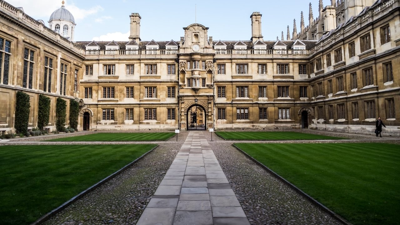 Cambridge Üniversitesi