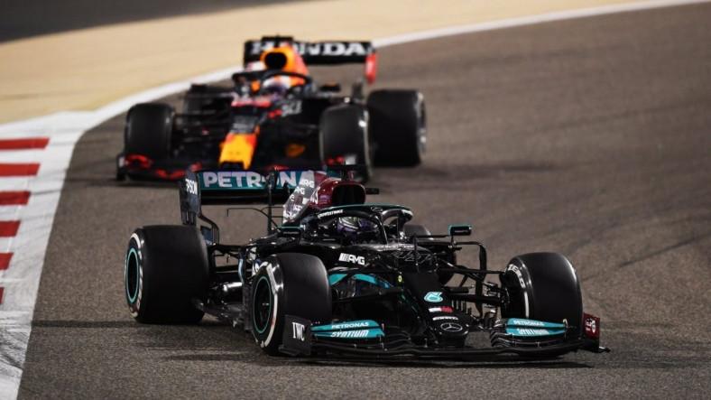 Formula 1'de 2021 Yılının İlk Yarışını Rekor Kıran Hamilton Kazandı