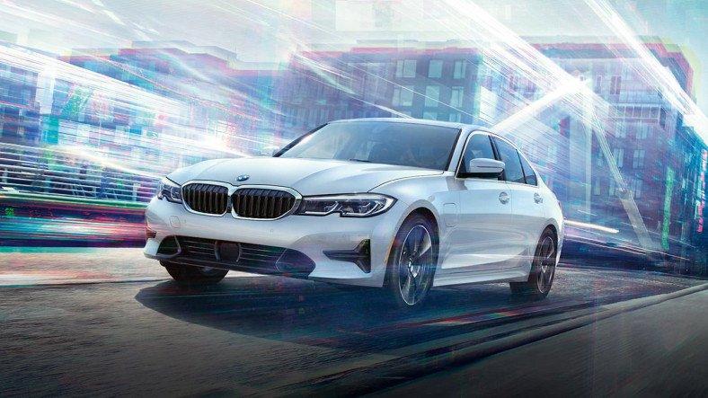 İç Aydınlatma Sistemiyle Dikkat Çeken BMW 320i'nin Özellikleri ve Fiyat Listesi