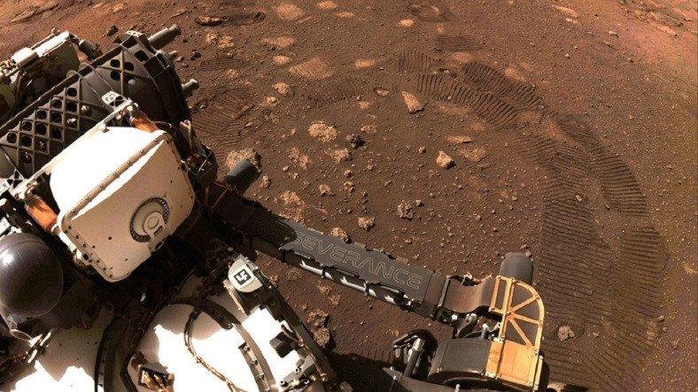 NASA'nın Mars Gezgini Perseverance, İlk Test Sürüşünü Gerçekleştirdi