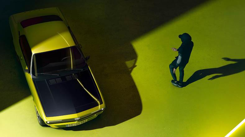 Opel, 80'li Yılların Efsane Otomobili Manta'nın 'Elektrikli' Versiyonunu Getiriyor