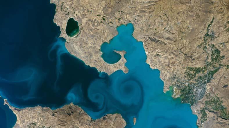 Pamuk Eller Oy Vermeye: Van Gölü Fotoğrafı, NASA'nın Fotoğraf Yarışmasında Yarı Finalde