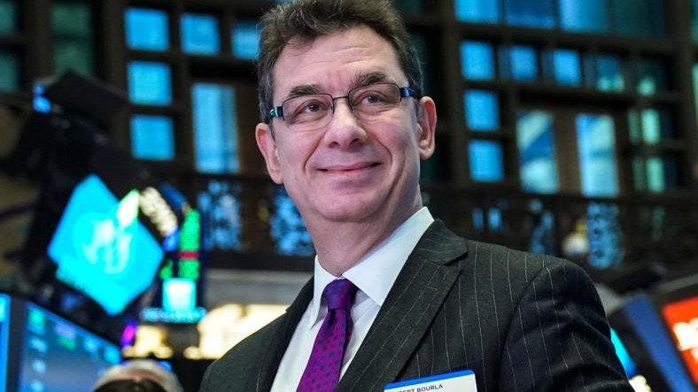 Pfizer CEO'su, Resmi Onay Aldıktan Aylar Sonra Koronavirüs Aşısı Oldu