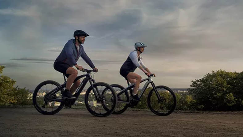 Porsche, İki Yeni Elektrikli Bisikleti Sport ve Cross'u Duyurdu