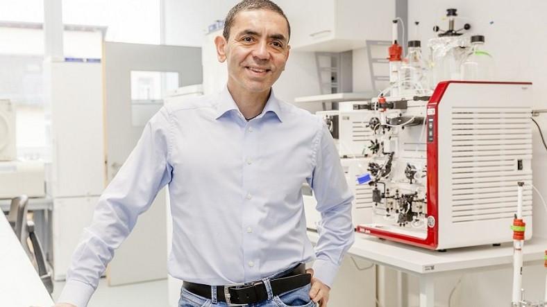 Prof. Dr. Uğur Şahin'den Karantina Uygulamalarının Ne Zaman Son Bulacağına Yönelik Açıklama