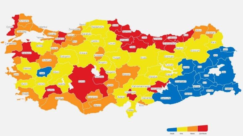 Risk Haritasında Sarıların Arasından Sıyrılan Uşak İçin Yapılan Birbirinden Eğlenceli Paylaşımlar