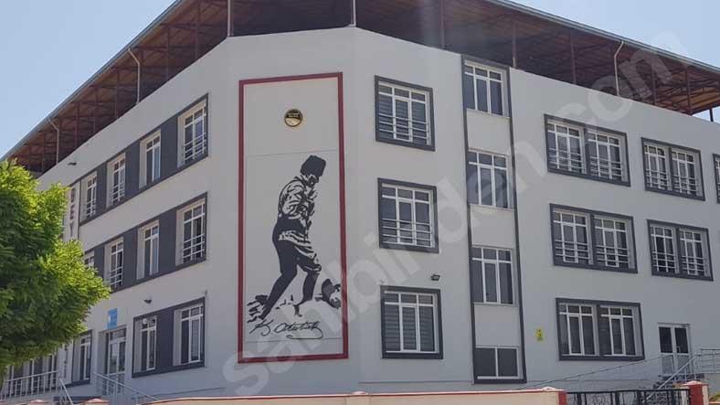 """Sahibinden'de 'Satılık Okul' İlanları Baş Gösterdi: """"Öğrencili, Merkezi Konumda"""""""