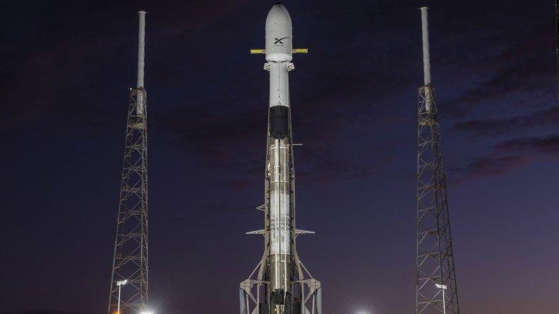 SpaceX Durdurulamıyor: Mart Ayında 180 Starlink Uydusu Uzaya Gönderildi (120 Tane Daha Gidecek)