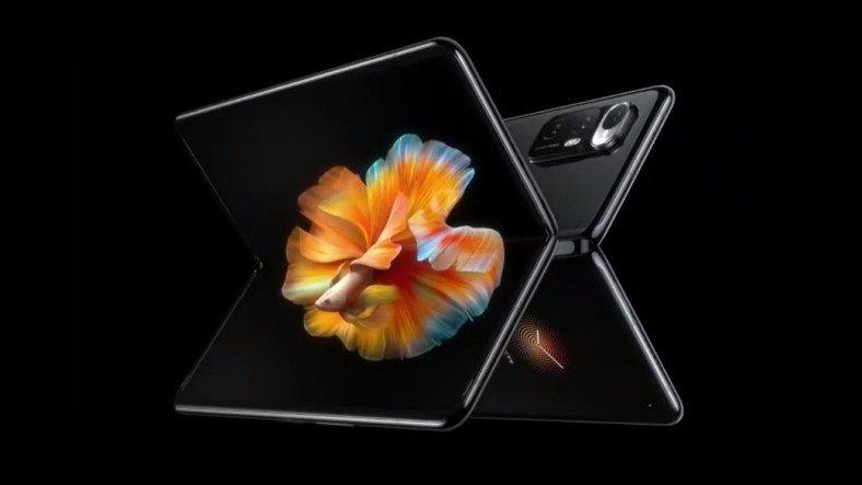 Xiaomi, İlk Katlanabilir Akıllı Telefonu Mi Mix Fold'u Duyurdu