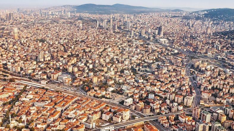 Yeni Araştırmaya Göre 6 Büyük Kentte, 10,5 Milyon İnsan 17 Yaş ve Üzeri Binalarda Yaşıyor