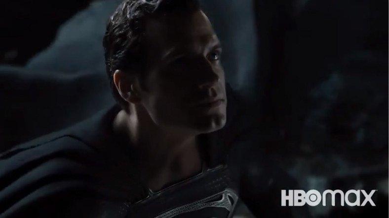 Zack Snyder, Superman'in Kostüm Seçtiği Justice League Fragmanını Yayınladı (Siyah Kostümlü Superman)