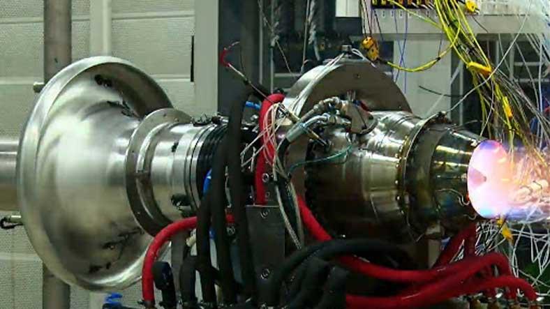 Bayraklar Asılsın: Türkiye'nin ilk Orta Menzilli Füze Motoru, Dünya Rekoru Kırdı [Video]