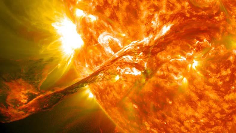 Düz Dünyacıları Bile Dumura Uğratacak Teori: Güneş Aslında Soğuk