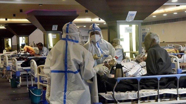 Hindistan'da Koronavirüs Pandemisinin Geldiği Noktayı Gösteren Korkunç Görüntüler [Video]