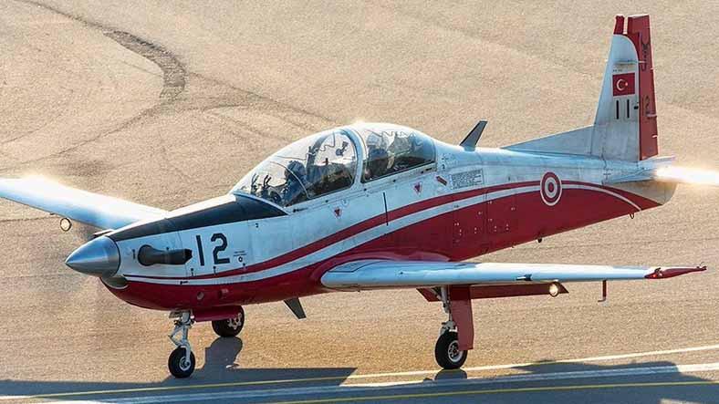 İzmir'de Bir Askeri Uçak, Eğitim Uçuşu Sırasında Düştü (Pilotlar Sağ Salim Kurtarıldı)