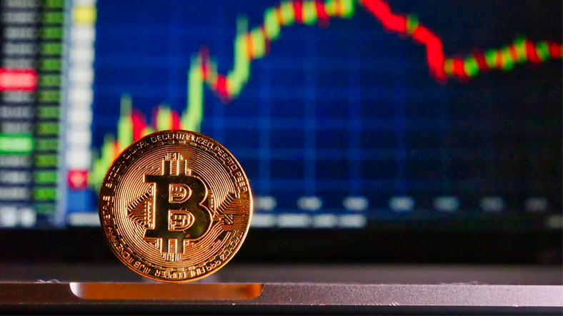 Kripto Paralar Tarih Yazıyor: Bitcoin ve Altcoin'lerin Toplam Piyasa Değeri 2 Trilyon Dolara, Yani 16,3 Trilyon TL'ye Ulaştı