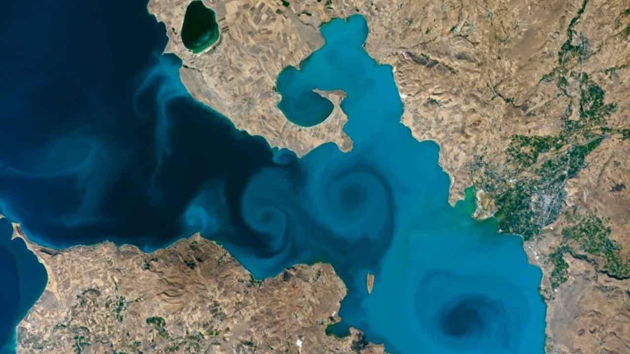 van gölü fotoğraf nasa