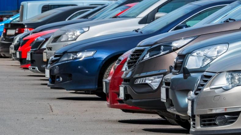 """Sahibinden.com'da Otomobil Fiyatlarının """"Sözde"""" Düşüşü 4 Aydır Devam Ediyor"""